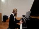 17 pianistów w muzycznej sali (10)