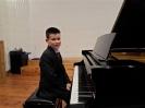 17 pianistów w muzycznej sali (11)