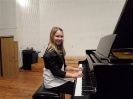 17 pianistów w muzycznej sali (15)
