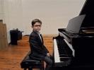 17 pianistów w muzycznej sali (16)