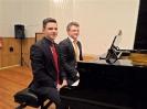17 pianistów w muzycznej sali (19)