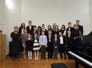 17 pianistów w muzycznej sali (1)